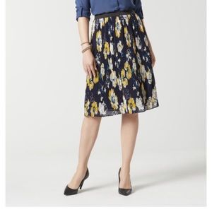 Jaclyn Smith Floral Pleated Skirt- w/flaw